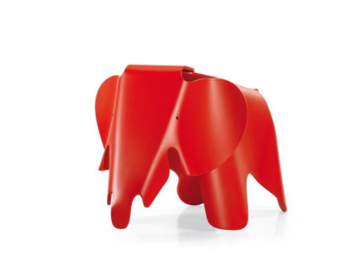 יש פיל בחדר. הוא אדום והוא מושלם! הדום פיל לילדים בעיצוב EAMES ל VITRA. להשיג בהביטאט.