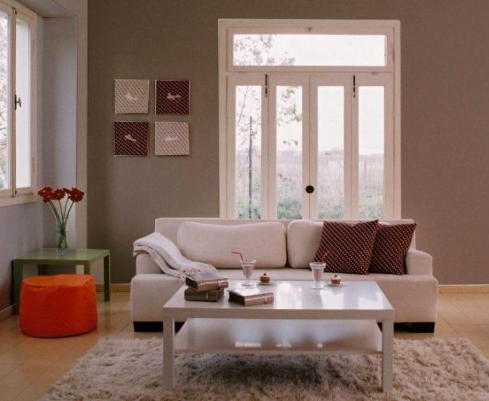 צובעים את כל קירות החלל: מראה חורפי ונעים בגווני אפור של נירלט בסלון. צילום: יח