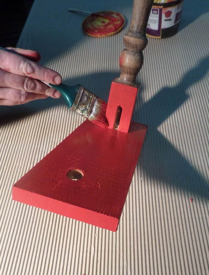 צבעו את המתקן בשתי שכבות לפי ההוראות על קופסת הצבע