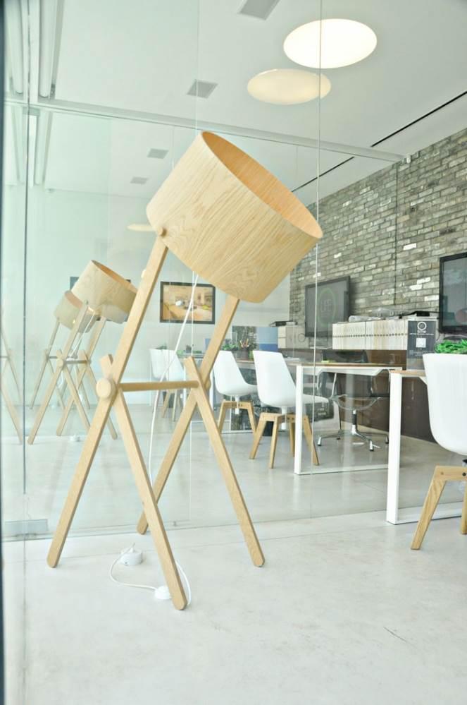 מנורת צד GIRAF. גינדי שוהם. אדריכלות ועיצוב פנים: פיצו קדם. עיצוב תאורה: אורלי אברון אלקבס.