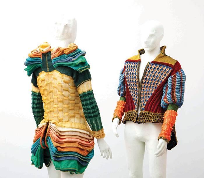 איריס ארד, מעצבת טקסטיל שמתמחה בסריגה לעולם האופנה ועיצוב הפנים. פרויקט גמר שנקר. צילום: סשה פליט.