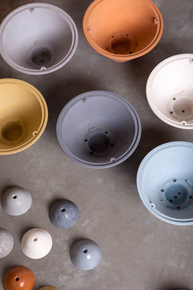 מגוון הצבעים של קולקציית BULLET. צילום: יעל אנגלהרט.
