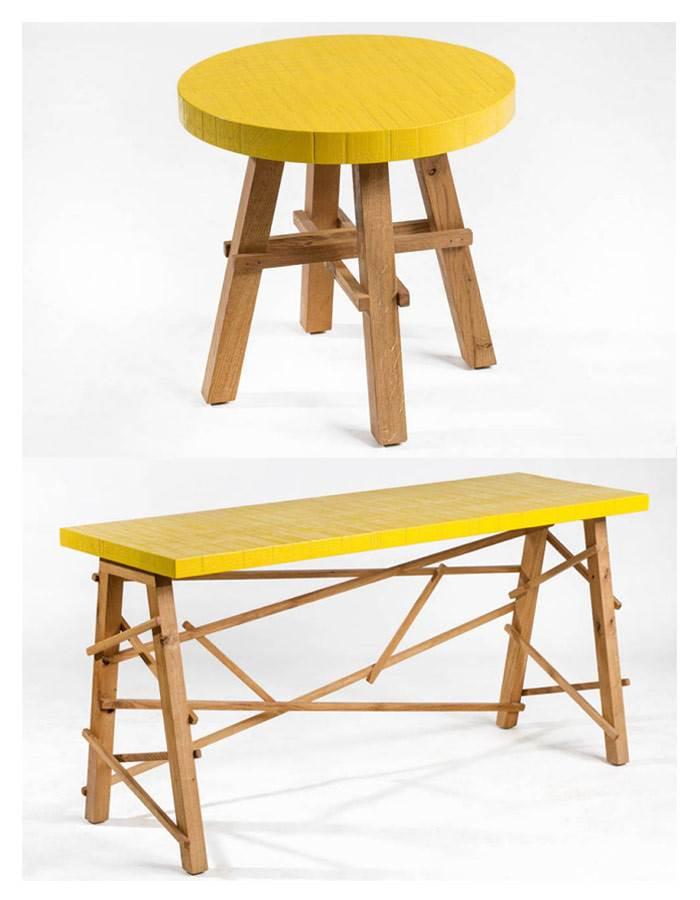 שולחן צד DANK מעץ אשא ואלון מלא ושולחן כתיבה DESK 51 מעץ אלון מלא. המשטח העליון עם הטקסטורה הגסה של שני השולחנות נצבע בצבע צהוב אטום. להשיג אצל מעצב הרהיטים אלון דודו.