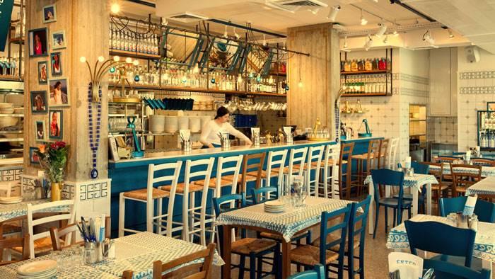 מסעדת GRECO. מסעדה יוונית מקומית ועכשווית שממזגת בעיצובה בין החמימות של מסעדת הפועלים היוונית האותנטית לאיפוק של השיק האורבני. צילום: בועז לביא.