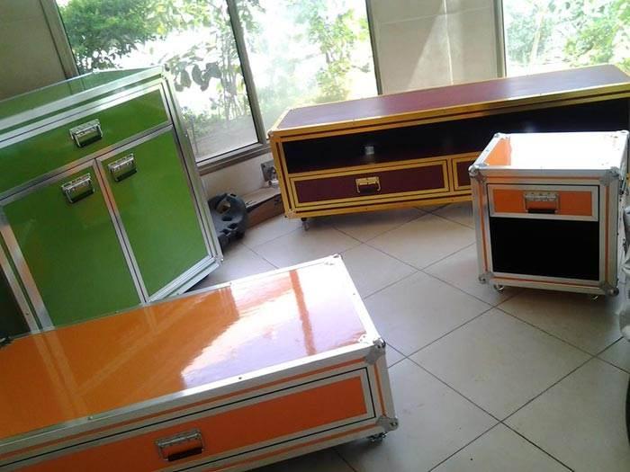 רהיטי הקופסא של GINGER BOXES מעוצבים בכל צבע, גודל ולכל שימוש בהתאמה אישית.<br/>