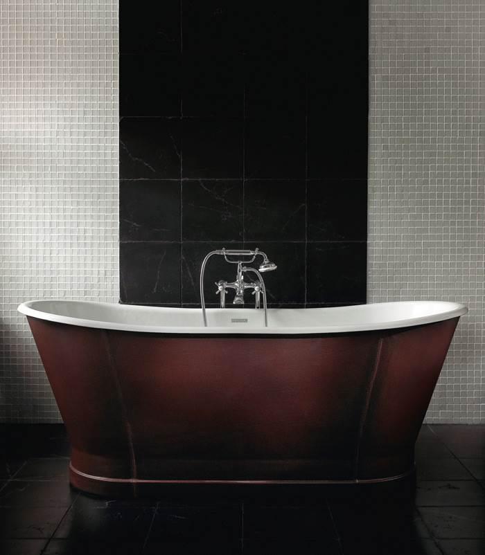 אמבטיה בחיפוי עור של חברת IMPERIAL האנגלית. העור גמיש, נוקשה ואטום למים ולכן יכול להתאים לחללים רטובים. להשיג במודי.
