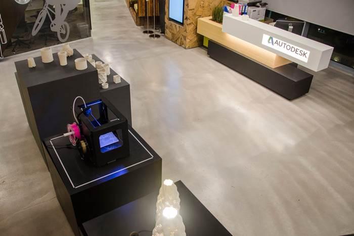 שיתוף פעולה פורה ומרתק הוביל לעיצוב גופי תאורה המעטרים היום את משרדי חברת אוטודסק ישראל בתל אביב