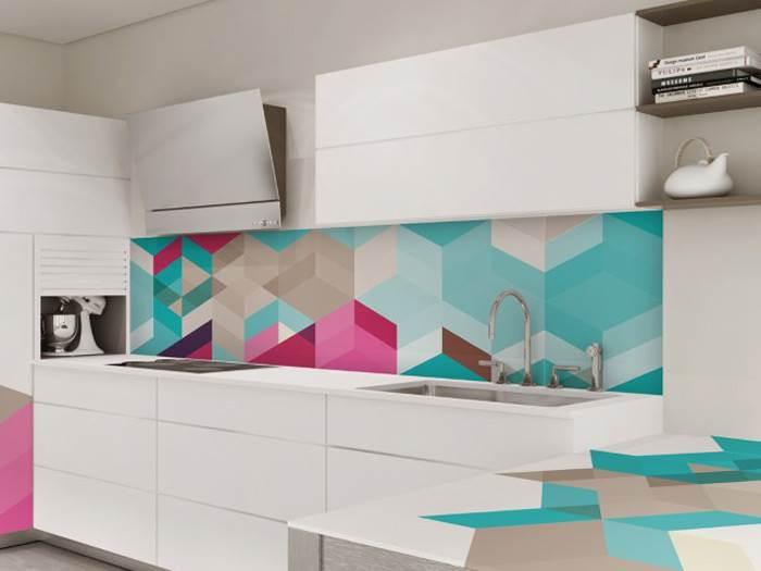 גיאומטריה גם במטבח- חיפוי קיר עשוי זכוכית של חברת בלורן