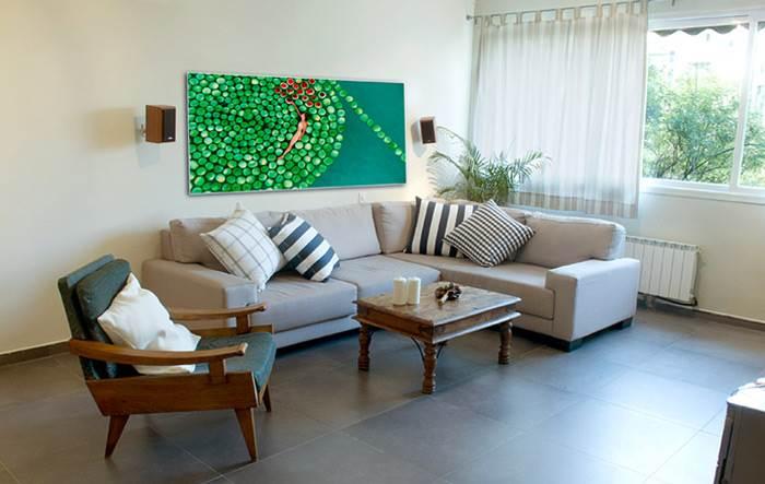 צבעוניות רכה והרבה אור - שיפוץ בדירה ברחבת אילן, גבעת שמואל. צילום: משה גורי