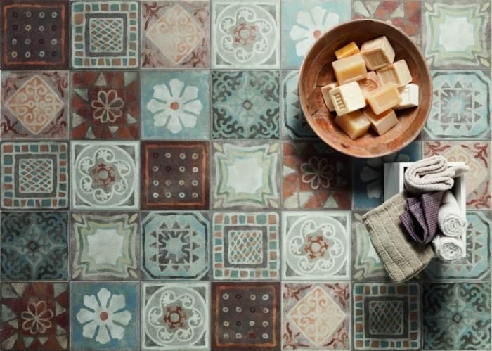 מיושן ורומנטי: אריחי דקור מצוירים מסדרת Old Stone של חלמיש