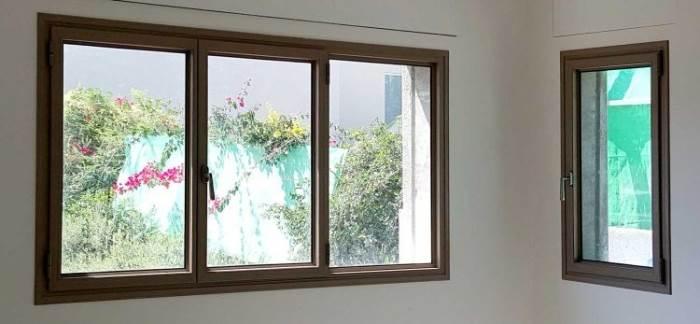 חלון הזזה, ציר או דריי קיפ? בחרו את סוג החלון על פי השימוש