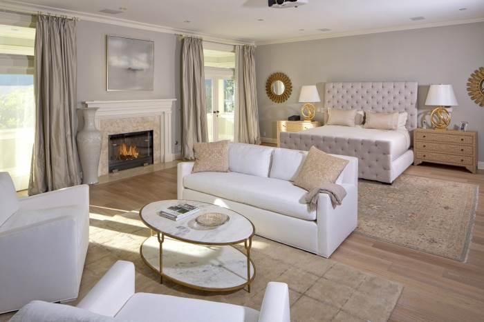 מבט אל הסלון וחדר האירוח |</br>צילום: COLDWELL BANKER
