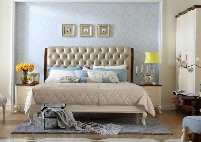 """רצוי למתן את בחירת התמונות בחדר השינה ולא להעמיס עליו בתמונה גדולה או צבעונית מידי. יח""""צ היבואנים"""