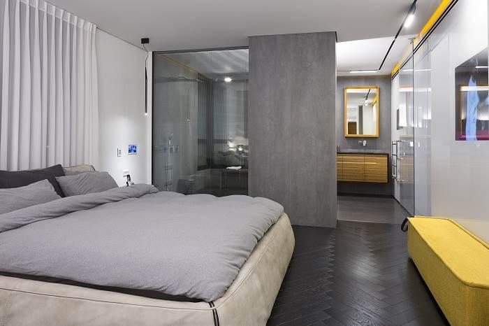 חיבור עם קירות זכוכית בחדרי השינה | צילום: שי אפשטיין