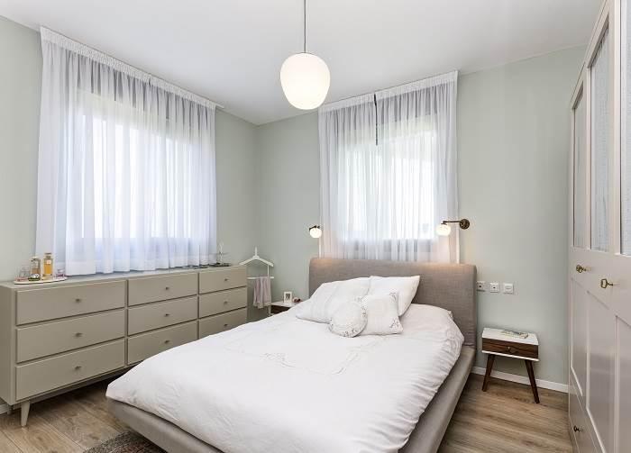 מבט לחדר השינה. צילום: נדב פקט