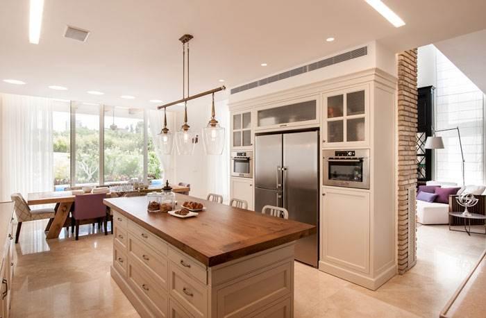 מחיצה בין מטבח לסלון,עשויה גבס בשילוב נגרות, שירלי-דן