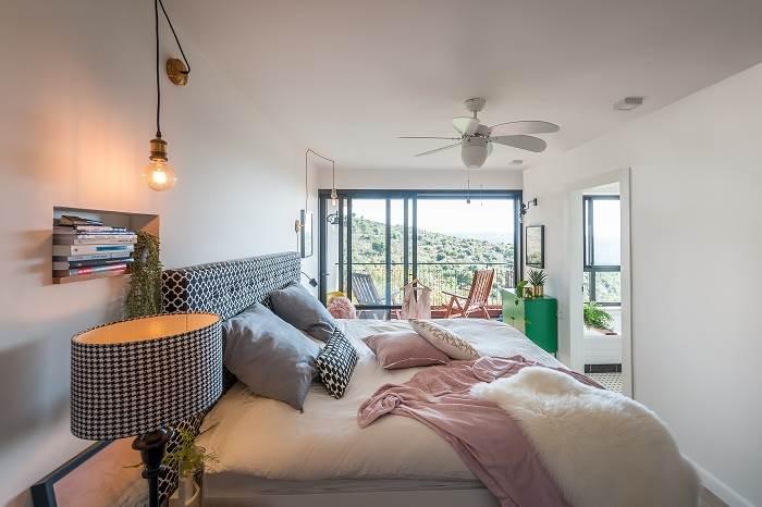 חדר השינה פונה לנוף
