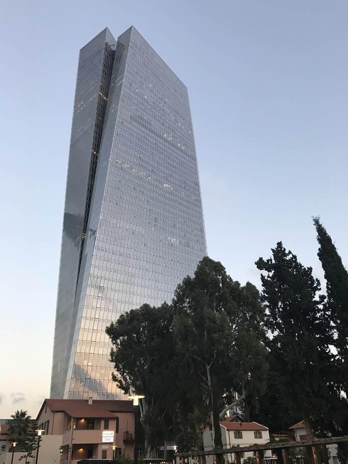 מגדל עזריאלי שרונה. צילום גבי בועז עובד