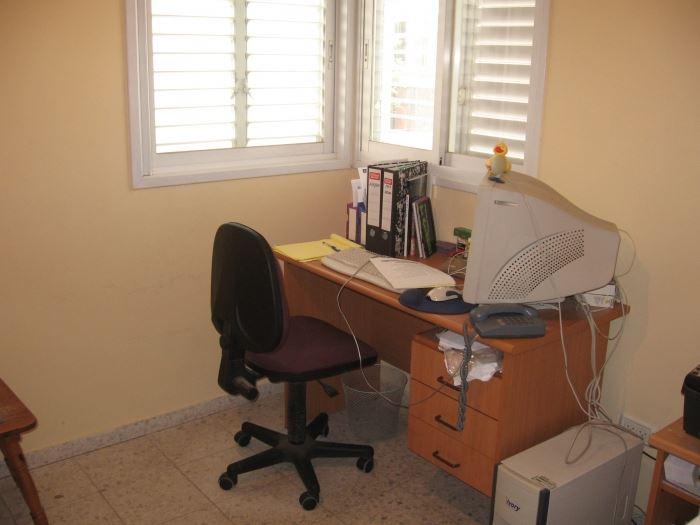חדר העבודה לפני השדרוג והפיכתו לחדר קסום לתינוקת
