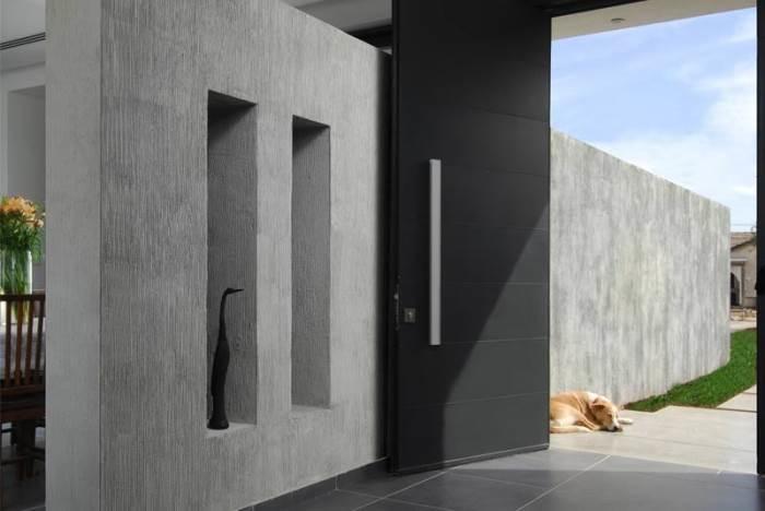ההתייחסות לקירות החיצוניים הופכת יותר ויותר דומה להתייחסות לקירות של פנים הבית. צילום באדיבות טמבור