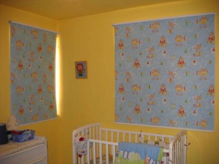 וילונות לחדר תינוקות: גם הצללה, גם פרטיות, וגם נגיעה מעוצבת בעלות נמוכה יחסית. וילון של