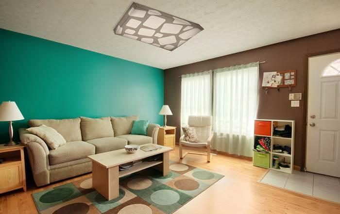אל תשכחו להתאים את גוף התאורה לעיצוב החדר -גוף תאורה של שקע ותקע