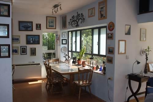 שולחן האוכל צריך להיות בגודל ובהתאמה נכונה לממדי הבית ולחלל בו הוא מוצב, פינת אוכל מבית ש.ל. עיצובים