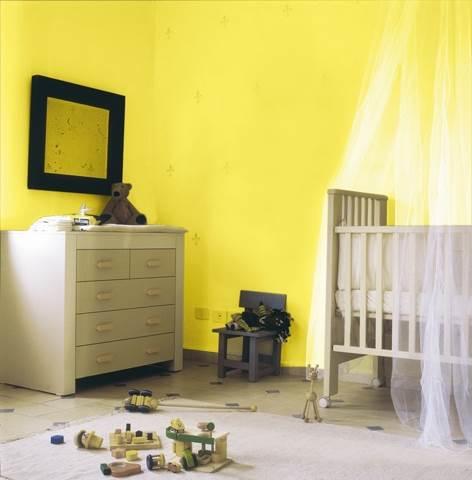חדר תינוקות בגוון צהוב בשילוב שבלונות -נירלט