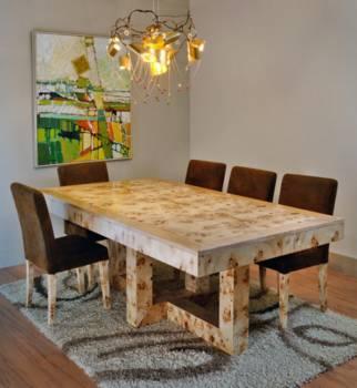 """אם התגלו בעץ שריטות, ניתן להעביר את כל הרהיט תהליך של חידוש הגימור, פינת אוכל עשויה עץ מבית """"עץ המשאלות"""""""