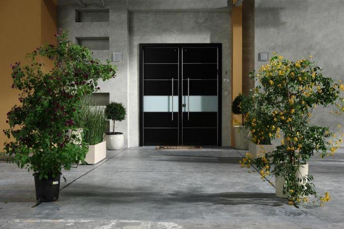 """האופן בו ננעלת הדלת הוא חלק חשוב באיכותה, דלת בטחון של חברת רב בריח, (צילום: יח""""צ)"""