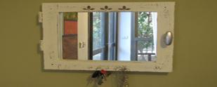נר על החלון: הפיכת חלון ישן למראה מעוצבת