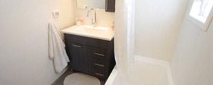 השיפוץ של משפחת רון: המקלחון והאמבטיה משנים צורה