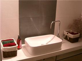 חדר אמבטיה - חגית&דפנה