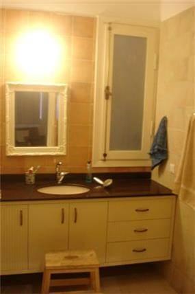 חדר אמבטיה - שי אילון אדריכלות עיצוב ונוף