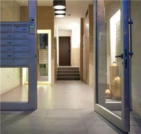 עיצוב לובי בבניין מגורים עיצוב ותכנון על ידיי Niego Design