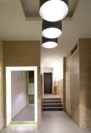 עיצוב מבואת כניסה בסגנון מודרני. Niego Design