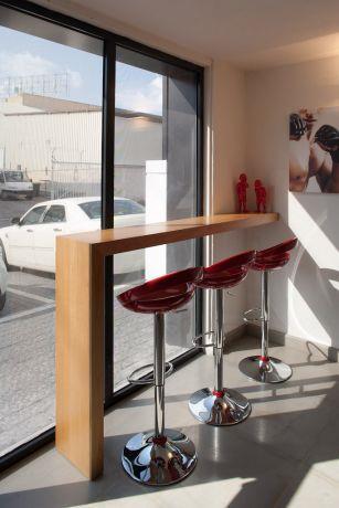 פינה בבית קפה בעיצוב מודרני. Niego Design