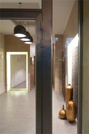עיצוב לובי הכניסה לבית בקווים מודרניים.Niego Design