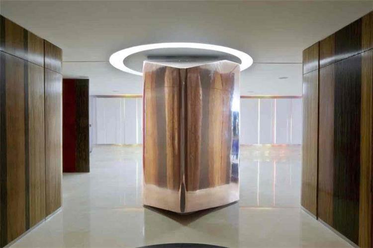 פסל נירוסטה - b.bos architects