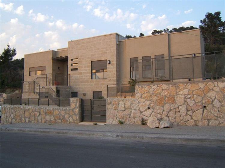 בית במושב אשתאול