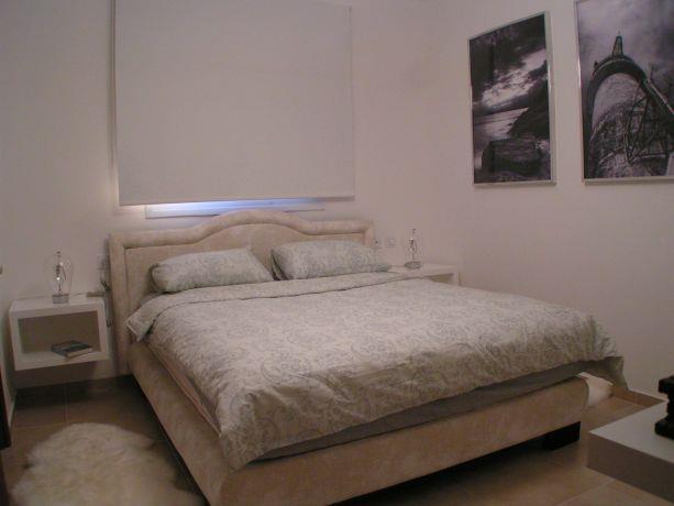 חדר שינה מודרני בעיצוב סטודיו BENE