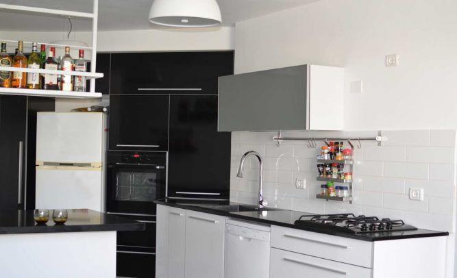 מטבח שחור-לבן, סטודיו BENE