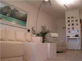 סלון לבן בעיצוב סטודיו BENE