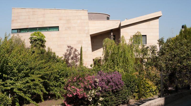 חזית בית פרטי מודרני בכפר כנא