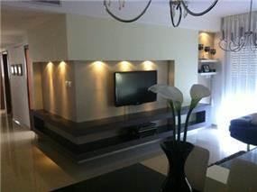 סלון בדירה באזור השרון, עיצוב artintec