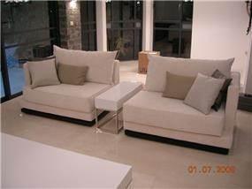 ספה באורך 2.5 מטר מחולקת ל2