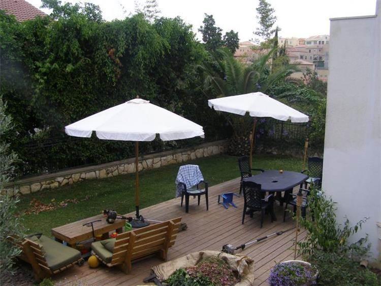 גן ופינת ישיבה - אורן סבן- אדריכל נוף וגנים