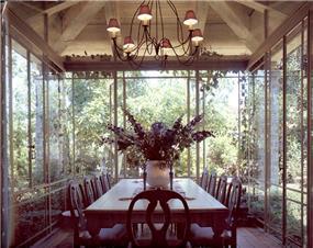 פינת אוכל - יונתן מונג'ק אדריכלים, צילום שי אדם, מתוך ספרה של אורלי רובינזון - יונתן מונג'ק