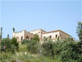 חזית בית כפרי בתכנון יולי וסרג' בן דוד