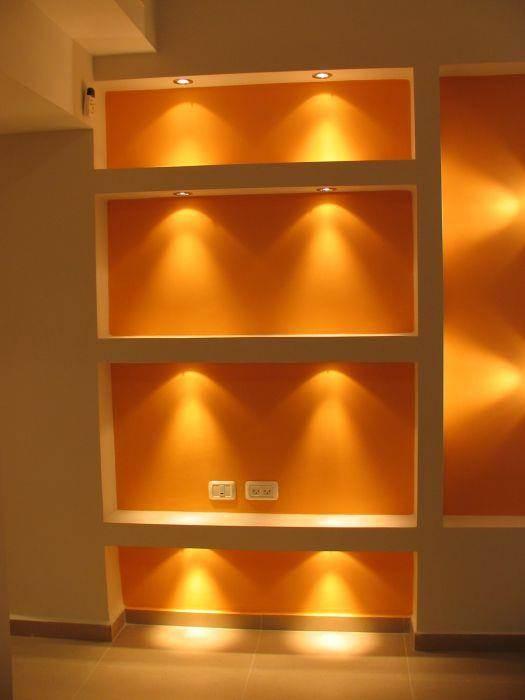 קיר גבס בסלון עם תאורה, עיצוב סיגל נייגרציק אבירם
